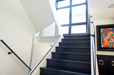 Designs by Santy :: Escarpment Modern Staircase with glass rail