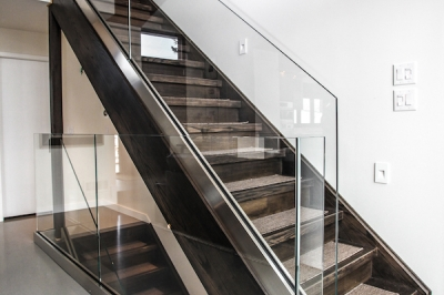 Designs by Santy :: Bridge House Staircase with glass rail