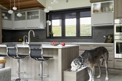 Designs by Santy :: Bridge House Kitchen island detail