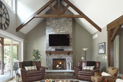 Designs by Santy :: Escarpment Vale House Great room with vaulted ceiling and timber brackets