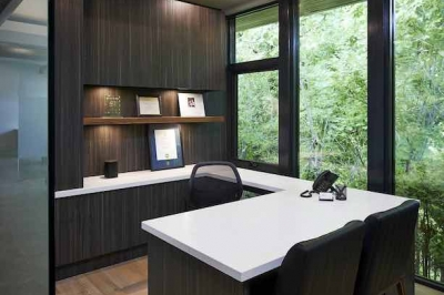 Designs by Santy :: Ravine Office Workspace with full rear glass
